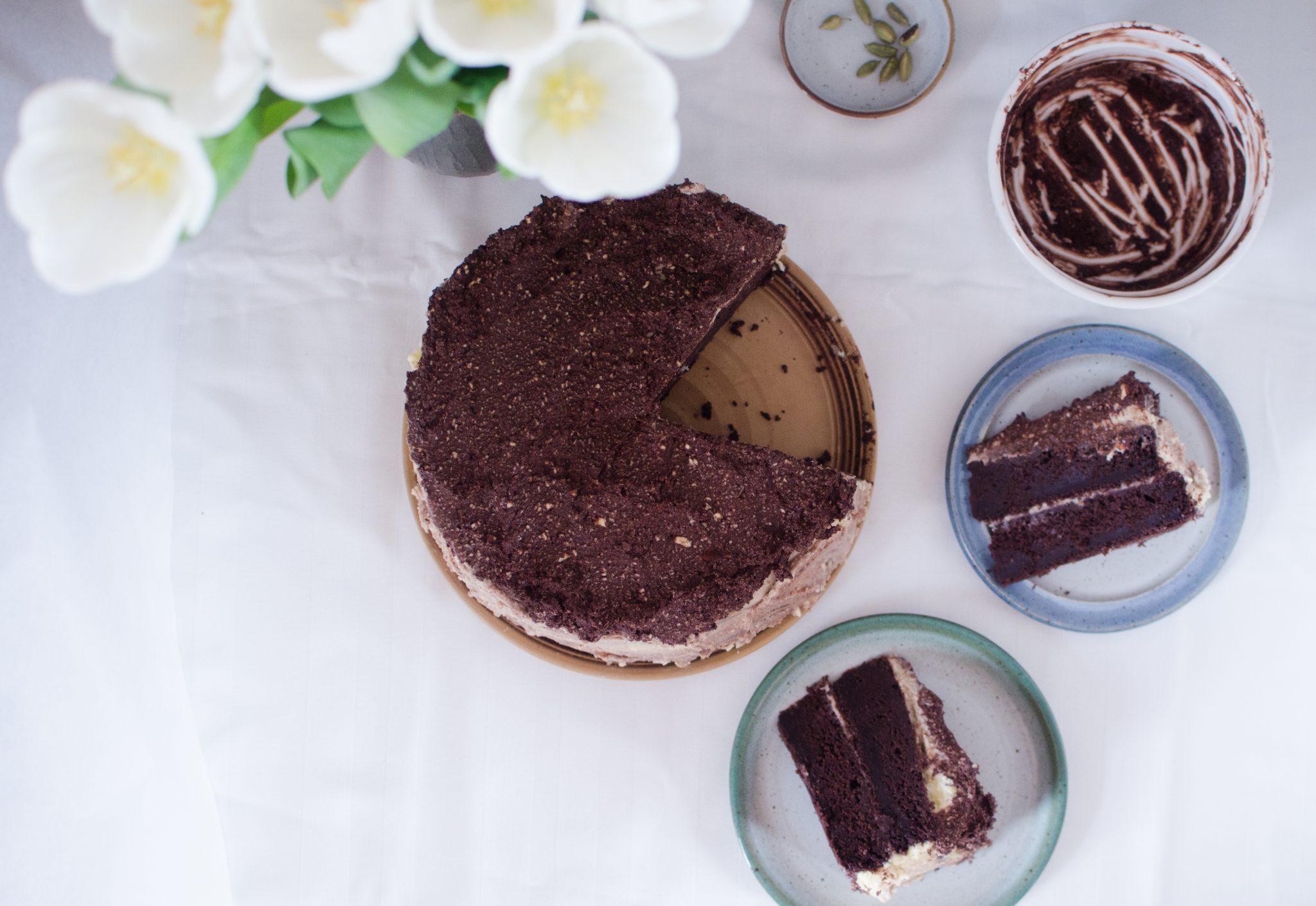 tort de ciocolata felii