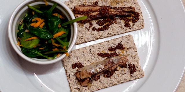 sardine cu salata spanac morcov seminte dovleac 2